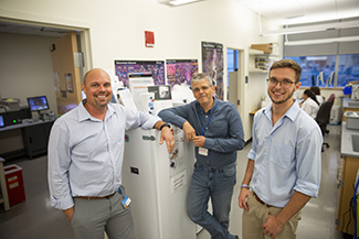 Flow Cytometry PM John Tigges Inv Ionita Ghiran MD and Tech Eric Ziggen325x217